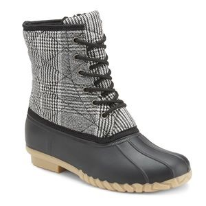 NEW **LADIES BLACK/WHITE QUILTED DUCK BOOTS